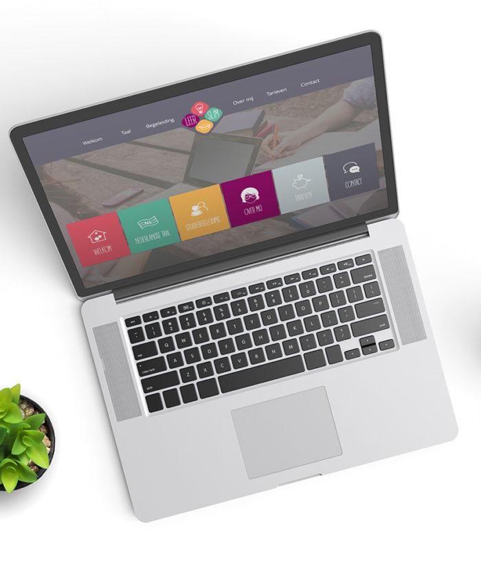 Website Leer Slim | DesignedBy